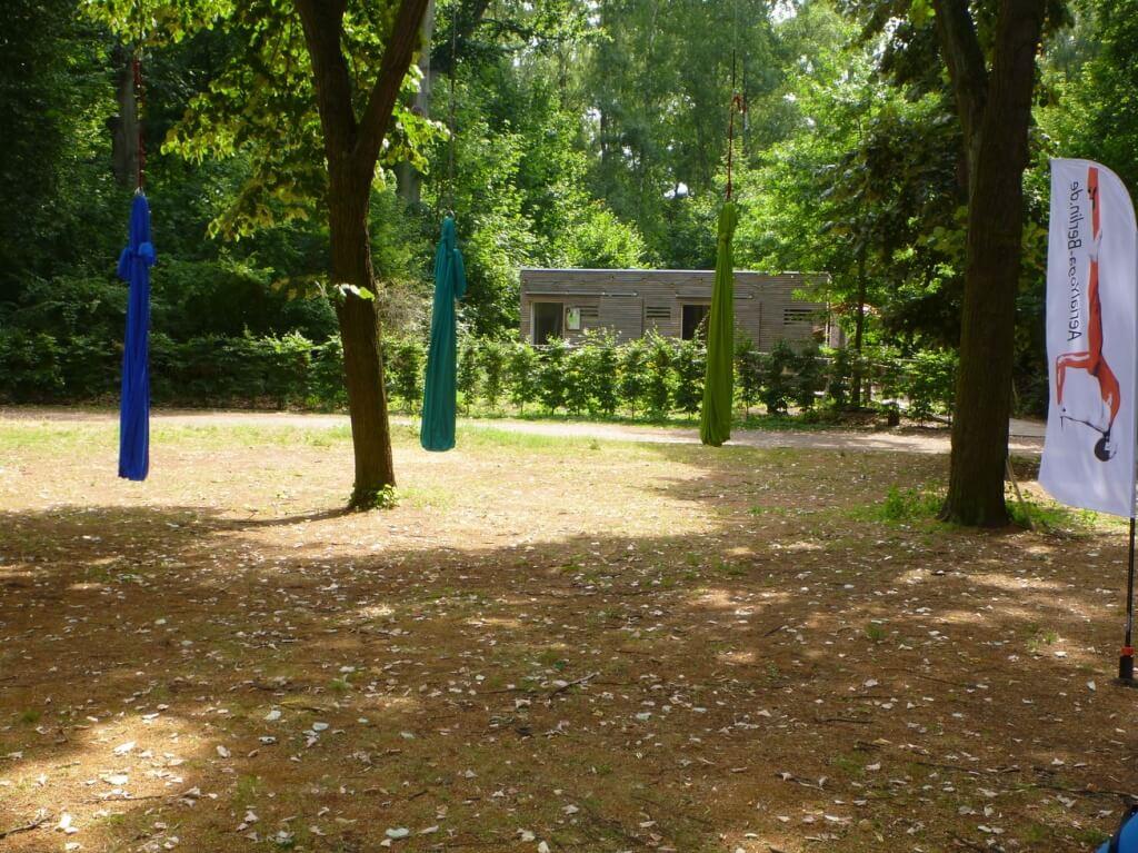 Aerial Yogatuch im Hochseilgarten