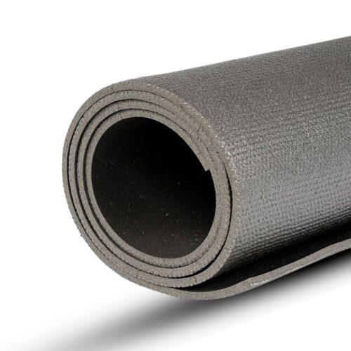 yogamatte-gesamtansicht-gerollt-schwarz